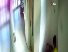 Başakşehir'de mahalle sakinlerini bıktıran hırsız kamerada