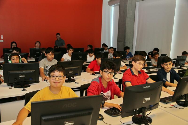 Geleceğin yazılımcıları Başakşehir'de yetişiyor
