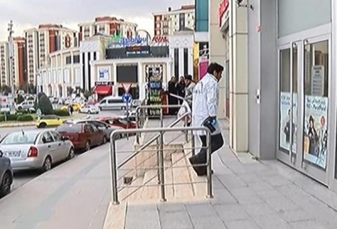 Başakşehir'de Güpegündüz Banka Soydular