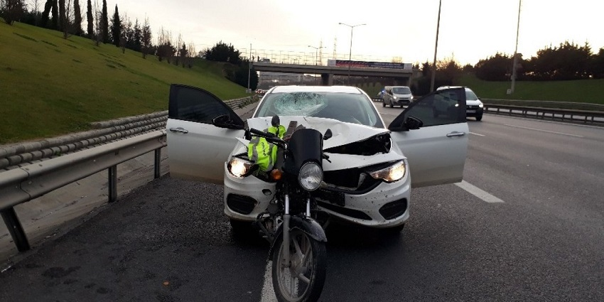 Başakşehir'de Feci Kaza: Motosikletli Metrelerce Sürüklendi