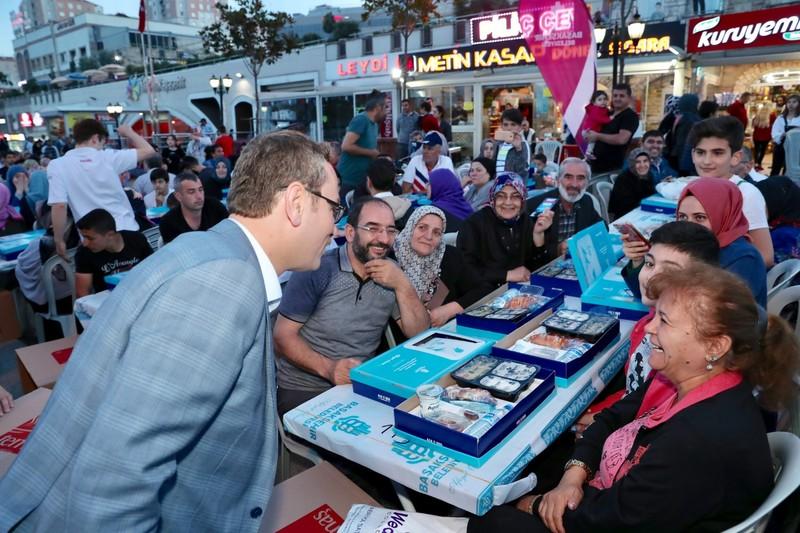 Başakşehir'de 20 bin kişi iftar sofrasında buluştu