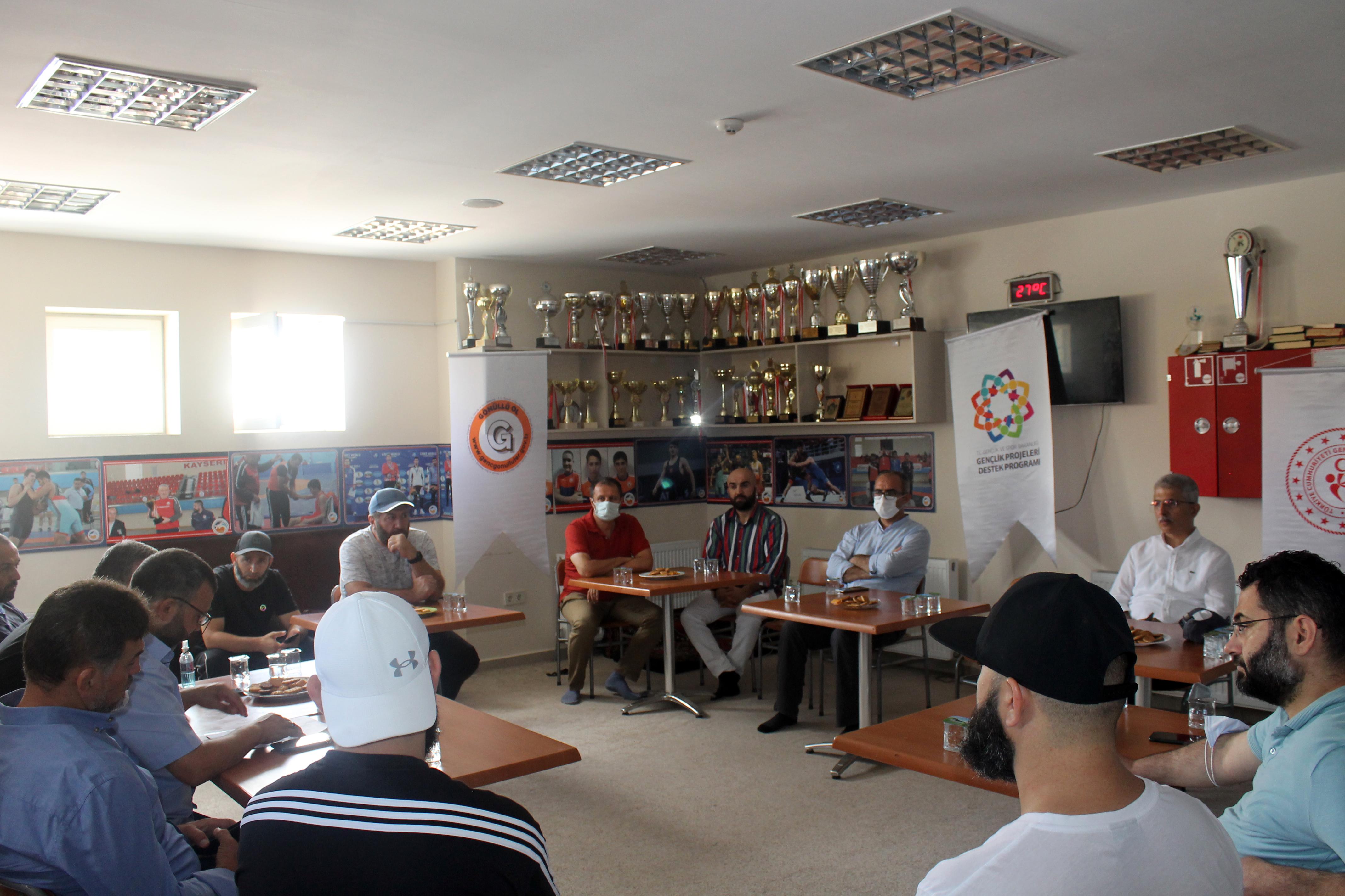 """Müjde BAŞAKŞEHİR'de  """"Lisanslı güreşçi yetiştirme"""" Okulu"""