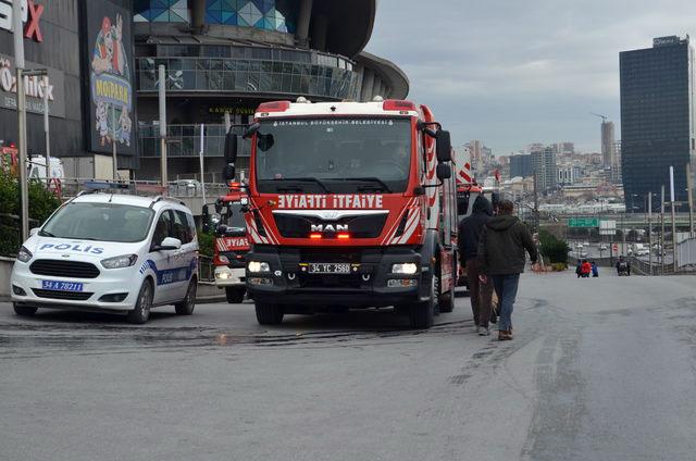 MOLL OF İSTANBUL'da KORKUTAN YANGIN
